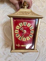 Настенные часы «Янтарь» в отличном рабочем состоянии.